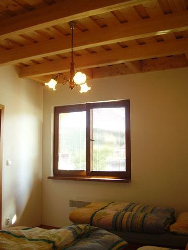 Horný apartmán detail izby