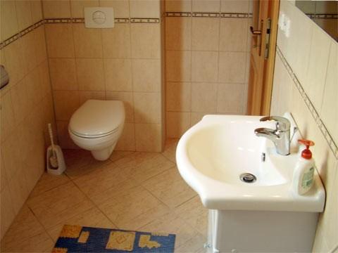 Kúpelňa spodný apartmán